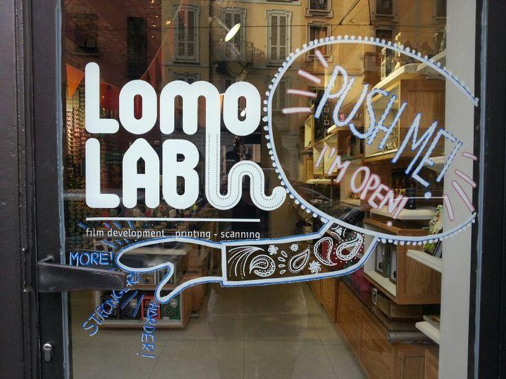 Push me! I'm open! Door decoration @Lomography gallery store Milan