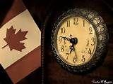 En 1931, Canadá alcanzó la autonomía en virtud del Estatuto de Westminster. La bandera nacional canadiense, con su diseño de hoja de arce, fue izada por primera vez en 1965.
