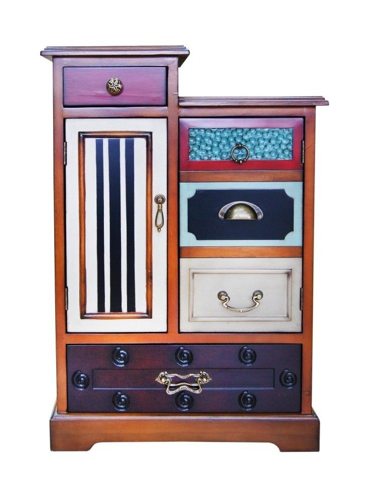 """Комод """"Gouache"""" изготовлен из натурального дерева. Эта дизайнерская мебель навсегда избавит вас от устоявшихся стереотипов в оформлении интерьера. Смешение элементов классики и модерна потрясающе смотрится в любой комнате, независимо от ее целевого предназначения, будь то столовая или спальня. Богатый функционал, разнообразие фактур, их расцветок и отделочной фурнитуры, собранные воедино – это очень современный свежий взгляд на дизайн нескучной мебели. Добавьте ярких красок в оформление…"""