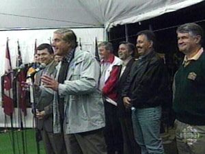 Déclaration de Calgary. Les premiers ministres des provinces canadiennes se réunissent à Calgary et rouvrent le dossier constitutionnel dans le but de trouver une proposition qui ramènera le Québec au sein de la Constitution canadienne. 1997 14 septembre