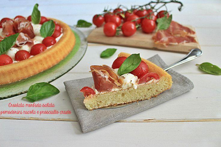 Crostata+morbida+salata+pomodorini+rucola+e+prosciutto+crudo