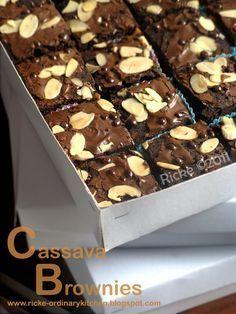 CASSAVA BROWNIES Ditulis oleh: Ricke Indriani Ini adalah brownies yang saya demokan dalam acara Banten Expo yang bertema olahan pangan b...