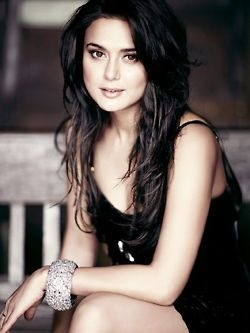 Preity Zinta. Bollywood. Actress.