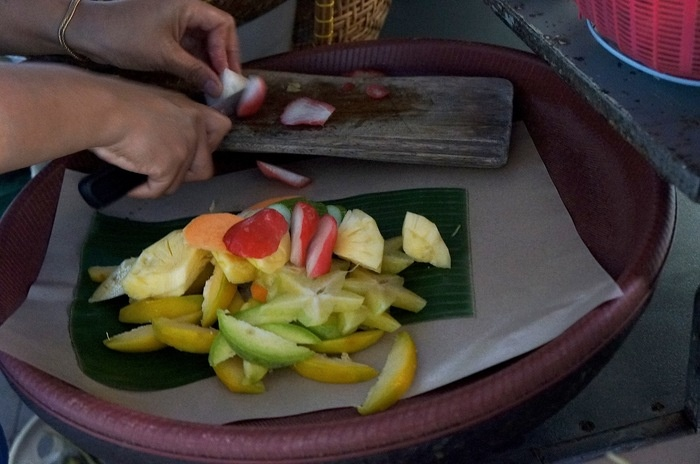 The beautiful colors of fruits to make tasty rujak. This is a healthy low fat snack. Photo by Icha Rahmanti.