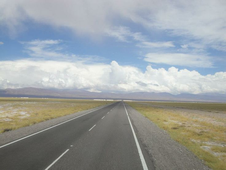 camino a las salinas grandes , argentina