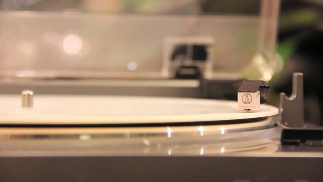 3D Printers Could One Day Bring Vinyl Records On Demand.  3D Printed Record - Audio Tests by Amanda Ghassaei.