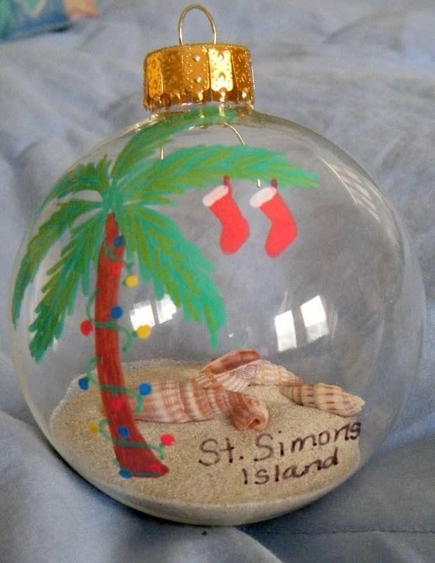 341 best nautical coastal christmas ideas images on pinterest for Seashell ornaments diy