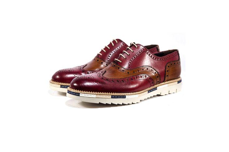 Scarpe uomo bicolore Ferradino. Two-tone men shoes by Ferradino. www.calzaveste.it