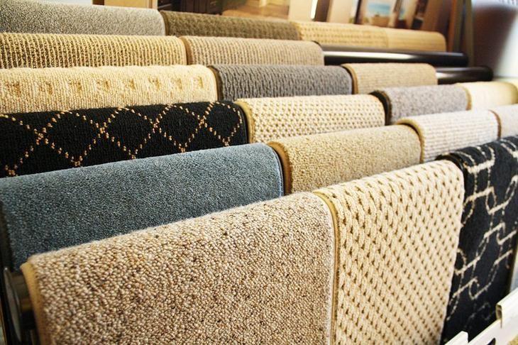 Зачастую шерстяные ковры изготавливают из овечьей шерсти, что значительно сказывается на их ценовой политике