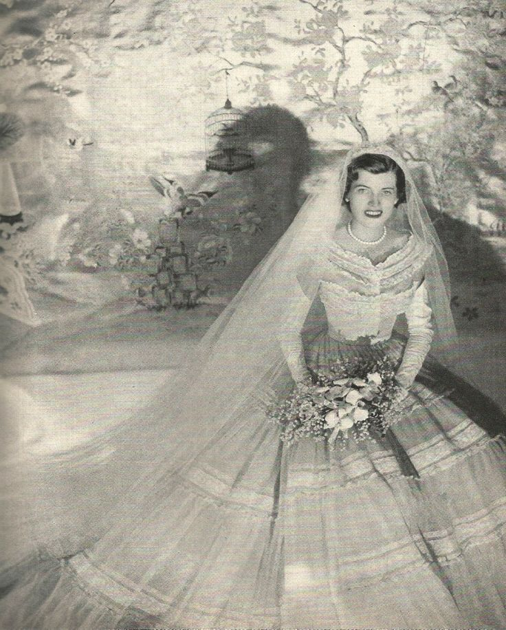 Eunice Mary Kennedy married Robert (Sarge) Sargent Shriver Jr. on May 23, 1953 at St. Patrick's Cathedral in New York City