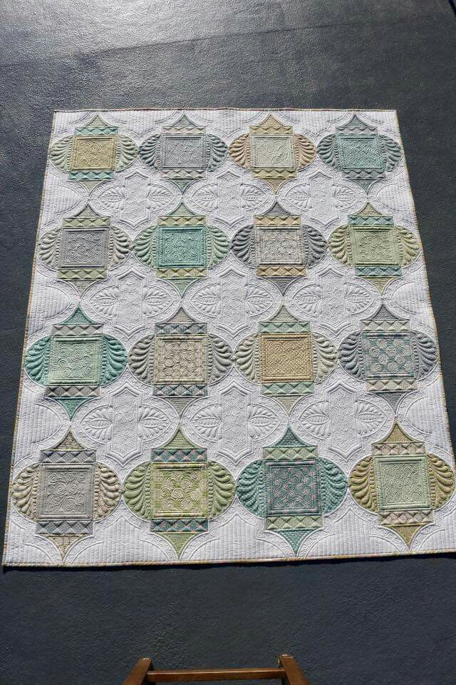 This would be very pretty in Christmas colors...table runner or wall hanging
