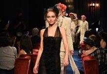 Привет родителям: Лили-Роуз Депп, Систин Сталлоне и Уиллоу Смит стали главными звездами показа Chanel в Токио