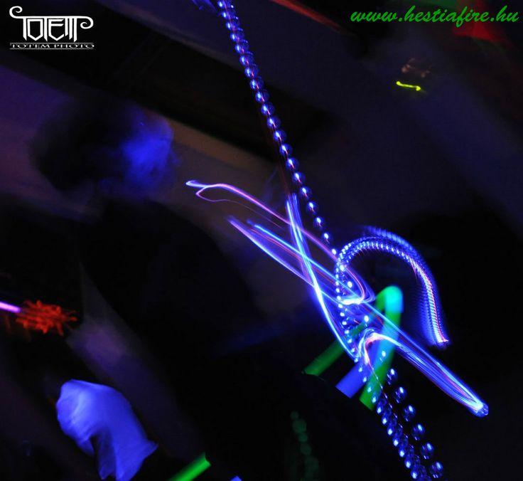 led light juggling - juggler - astrojax