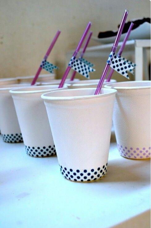 Masking tape para fiestas, personaliza tus vasos y crea unas banderillas.