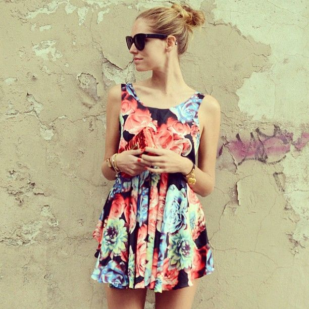 Loving this flower print on our favorite Italian fashion blogger!Street Style, Flower Dresses, Flower Prints, Chiaraferragni Theblondesalad, Chiara Ferragni Style, Day Dresses, The Blondes Salad, Fashion Bloggers, Floral Dresses