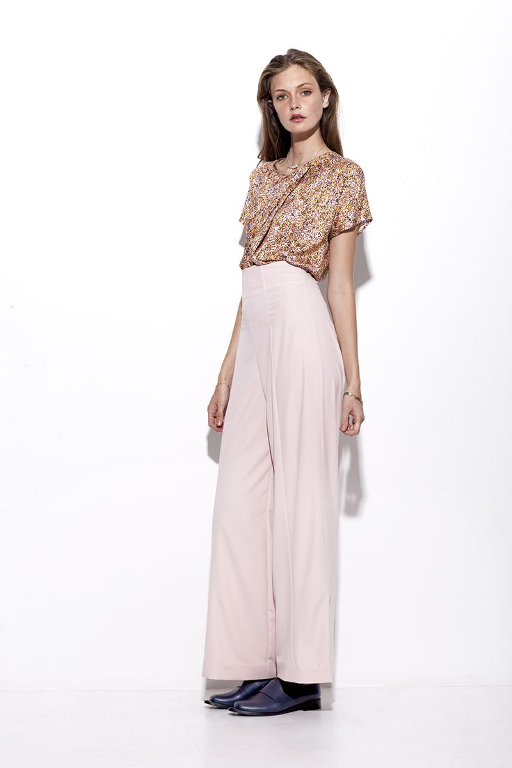Bogelund-Jensen´s SS15 collection: The fore draped t-shirt with soft rose trousers