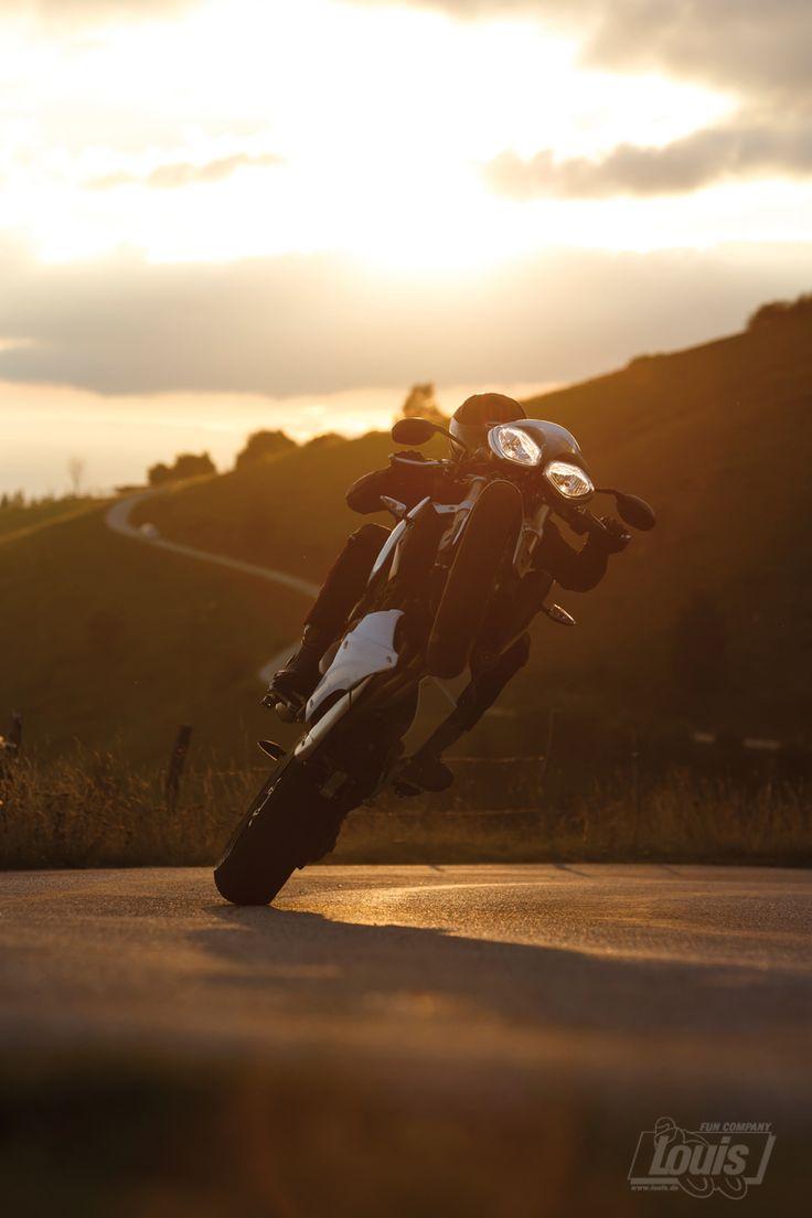 Man wird jawohl noch träumen dürfen... #Motorrad #Motorcycle #Motorbike #louis #detlevlouis #louismotorrad #detlev #louis #wheely