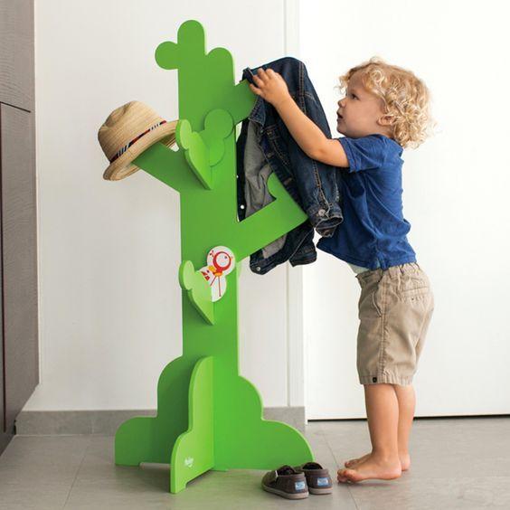 Perchero de #cactus para niños #lavozdelmuro #montessori #crianza #bebés #niños #educación #decoracion #habitacionesinfantiles