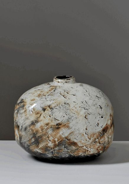 lee-kang-hyo-buncheong-pottery-437x621