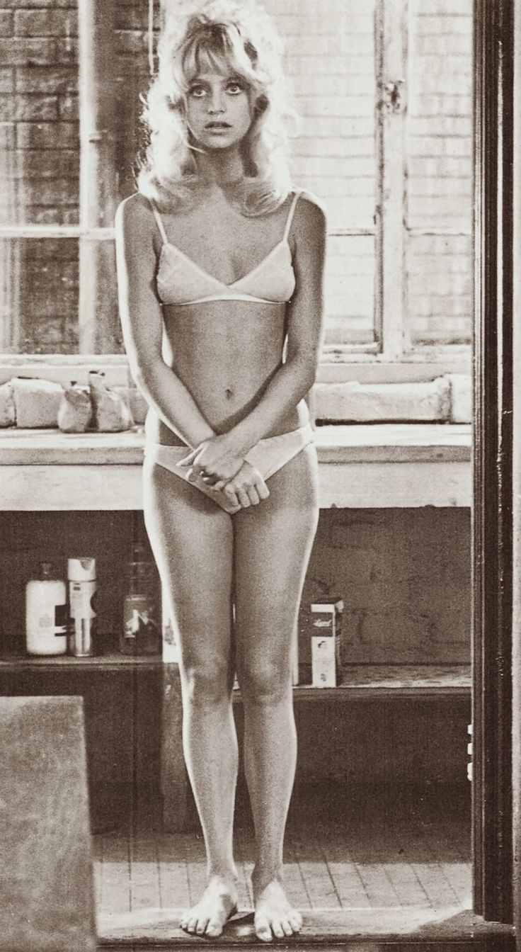 Goldie Hawn.  this body seems similar to mine at that age. SN