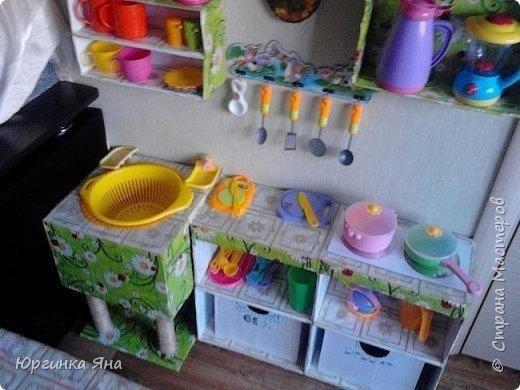 Детская игрушечная кухня - это дорого? Нет проблем, сделайте ее сами из картонных коробок!
