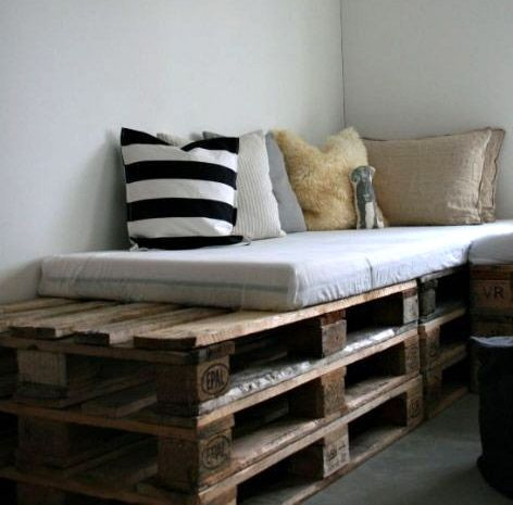 15 Beautiful Wood Pallet Bed Frames. I think the minty-turquoise one sold me on the idea!