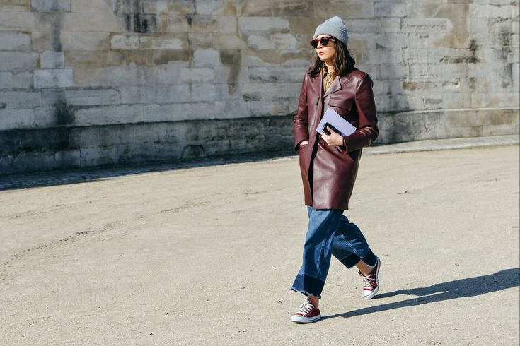 Long leather coat with baggy jeans, beanie - tommy ton. A x