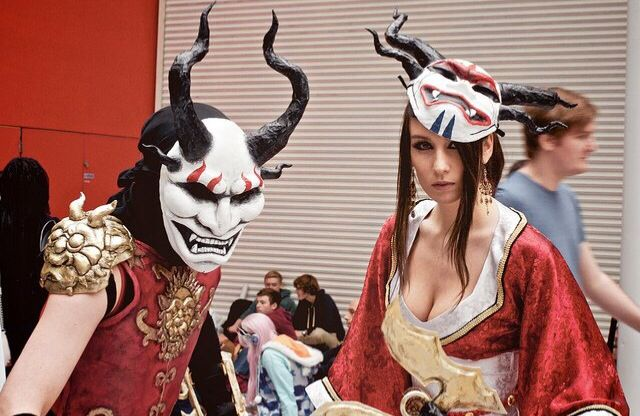 League of Legends Blood Moon Shen and Akali Cosplay