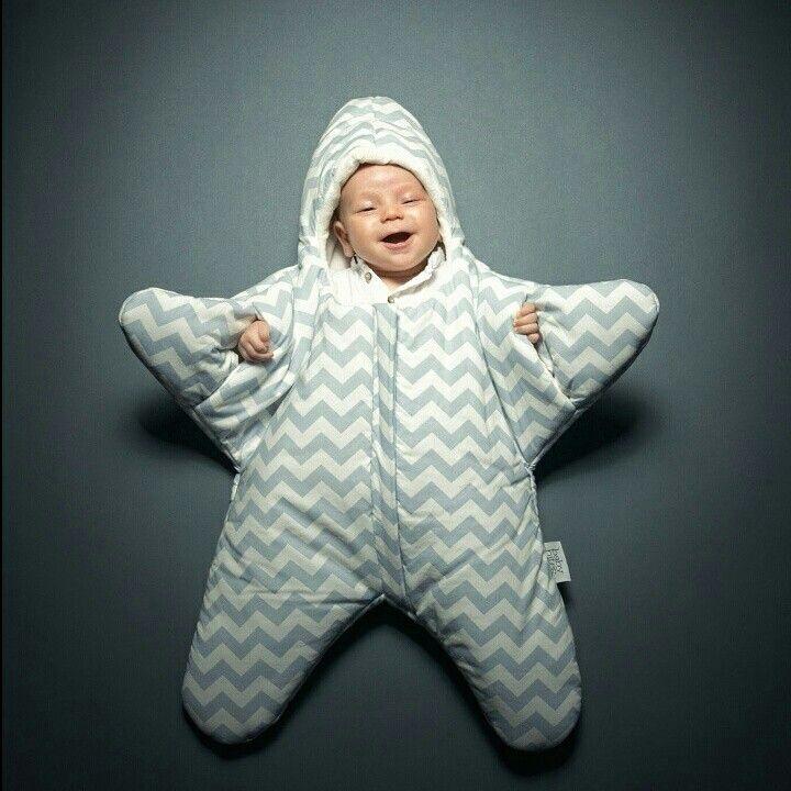 Y llegó AGOSTO! Empezamos este nuevo mes con un Baby Stars  lleno de hermosas sonrisas!! Cómodos para que nuestros bebés Cafuné puedan relajarse y estar calentitos al mismo tiempo ☆ • Contando los días •
