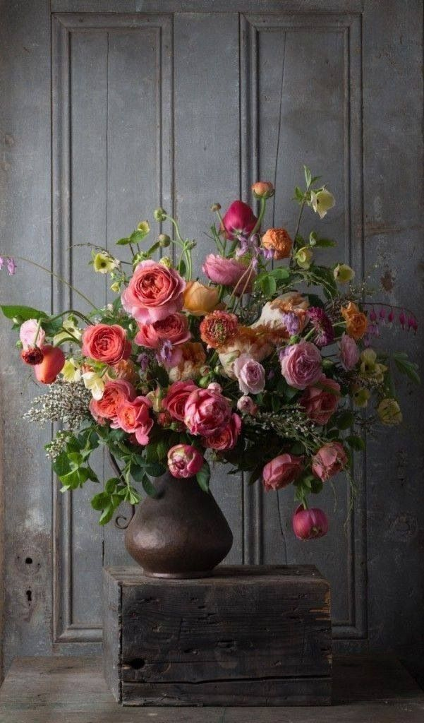 ♔Colorful overflowing centerpiece