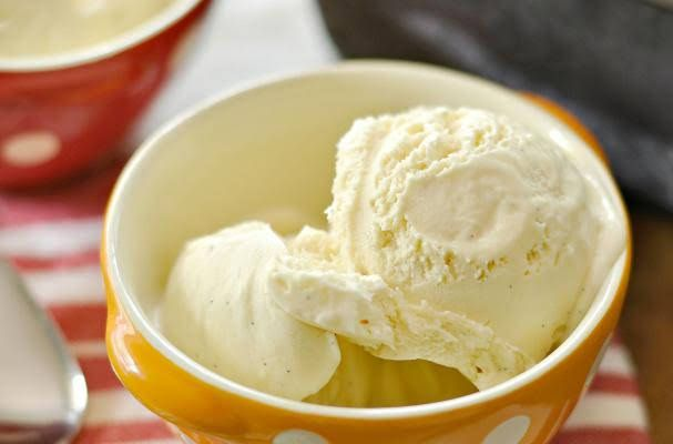 Easy 3 Ingredient Freezer Ice Cream With Heavy Whipping Cream Vanilla Extract Sweetened Condensed Milk Ice Cr Easy Frozen Yogurt Ice Cream Recipes Ice Cream
