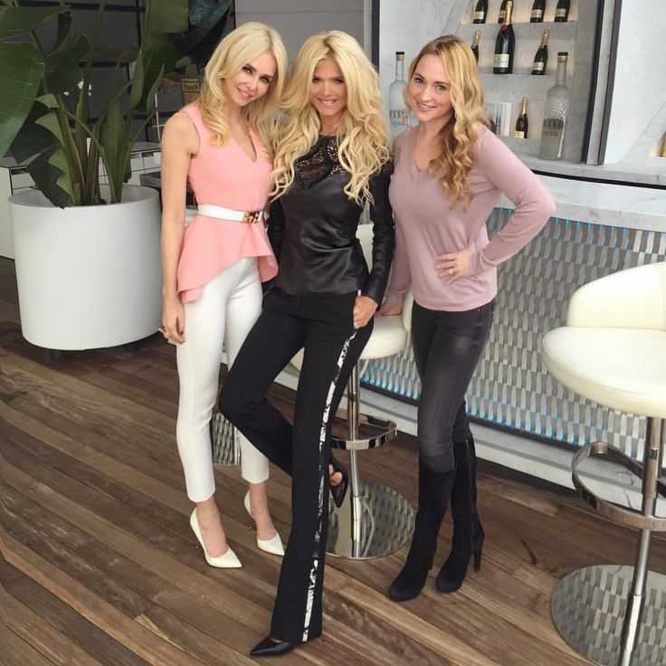 "Victoria Silvstedt Official on Instagram: ""Happy Friday!! Catching up with my blond beauties @amandacarolinecronin and Roisin #monaco"""
