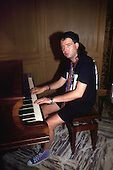 Phil Campbell playing piano /1992