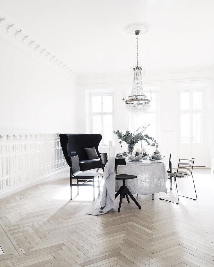 hee dining chair stuhl von hay auch ein filigranes drahtgestell kann im esszimmer entz cken. Black Bedroom Furniture Sets. Home Design Ideas