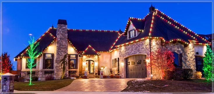 Outdoor Christmas Lights Ideas For The Roof | Christmas house lights, Outdoor christmas, Roof ...