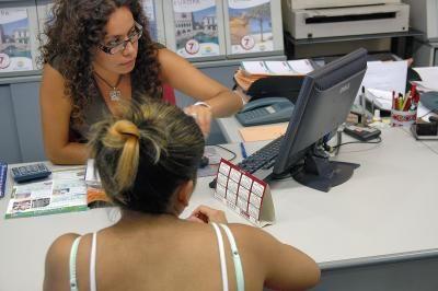 El sueldo de los agentes de viajes creció un 5% hasta los 1.942 € brutos #tiquetesdeavion