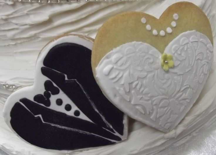 BRIDE AND GROOM WEDDING COOKIES www.frescofoods.co.nz Email: fresco@woosh.co.nz