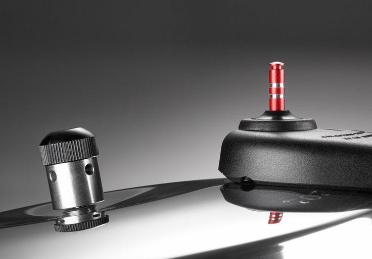 Detalle de las 2 válvulas diferenciadas de la olla a presión eVALVE, una clásica giratoria para un cocinamiento a presión tradicional, y una segunda válvula para una cocción ultra-rápida. Disponible en 4, 6 y 8 litros de capacidad.