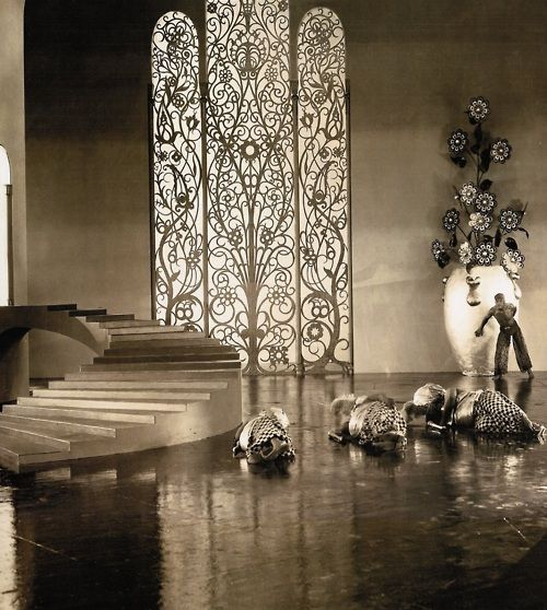 Douglas Fairbanks on the Moorish/Art Deco-inspired palace sets of The Thief of Bagdad (1924, dir. Raoul Walsh)  Art direction by William Cameron Menzies.