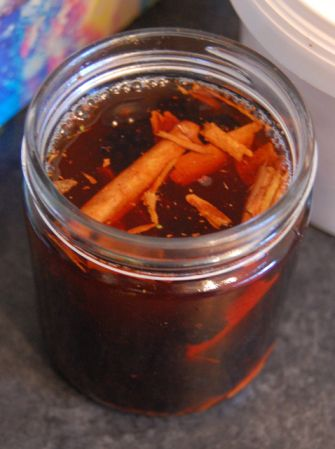 Cinnamon Blackberry Vinegar, plus blackberry lore