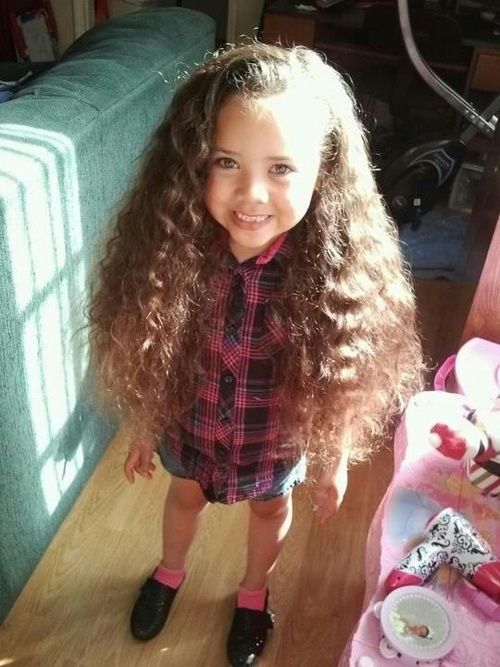 Awww I'm curious if i had a little girl, would her hair be this amazing!!!