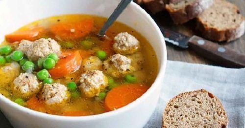 Ínycsiklandó zöldborsóleves húsgombócokkal, a család kedvenc levese lett! - Ketkes.com