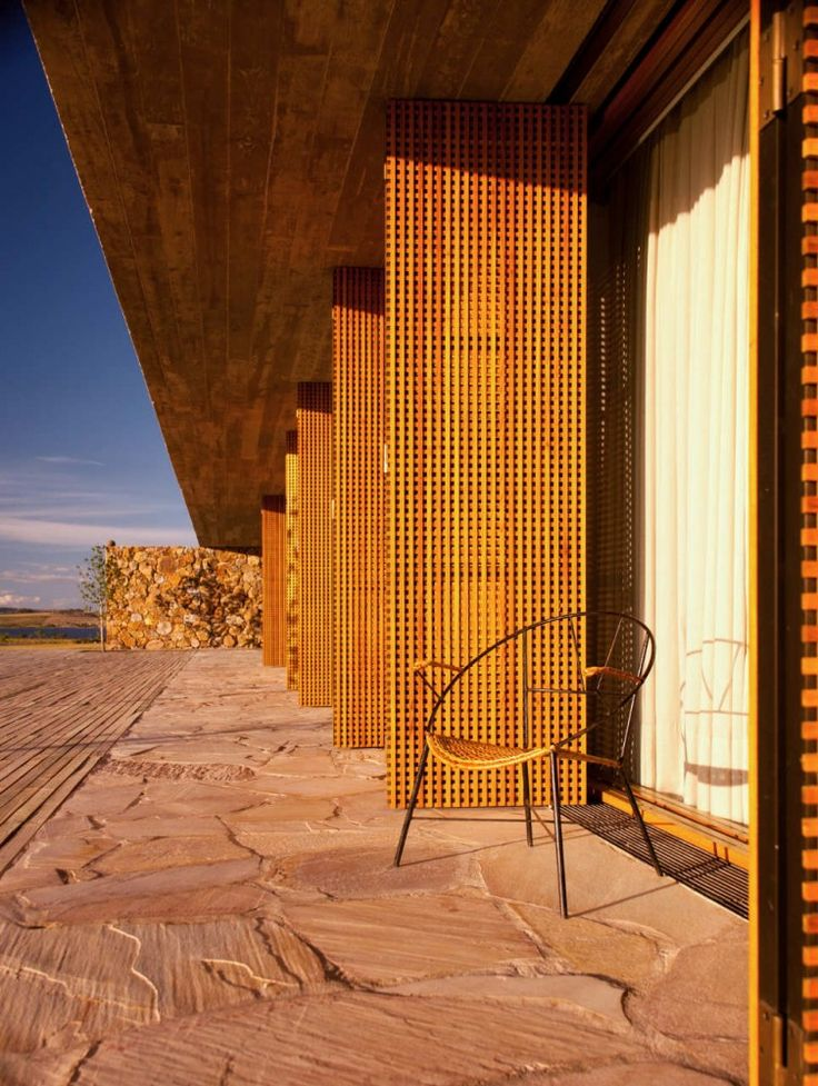 Punta House / Marcio Kogan (picture by Reinaldo Coser)
