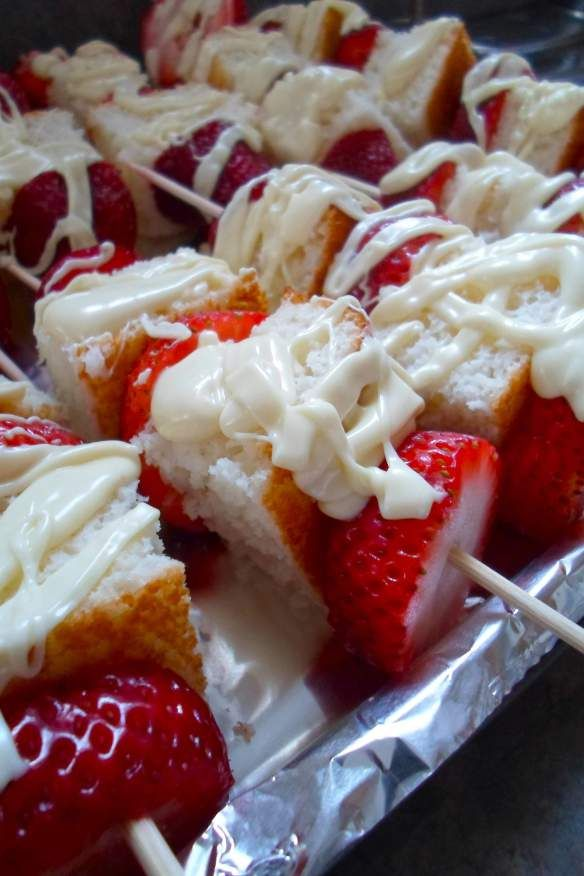 strawberry shortcake kabobs / Great for Valentine's Day