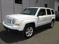 2011 Jeep Patriot - White    My new ride =)