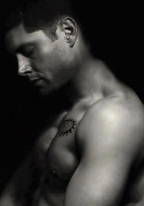 Supernatural - Dean Winchester I made a really weird noise when I saw this picture. Thank you Jensen Ackles