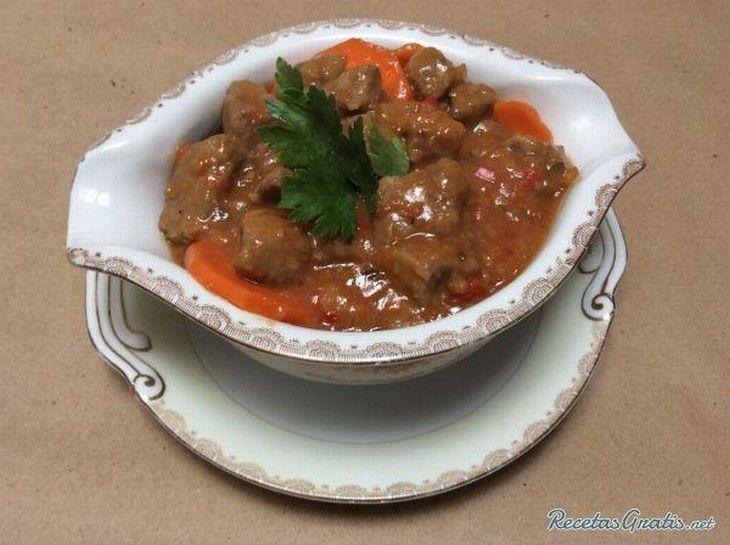receta goulash húngaro