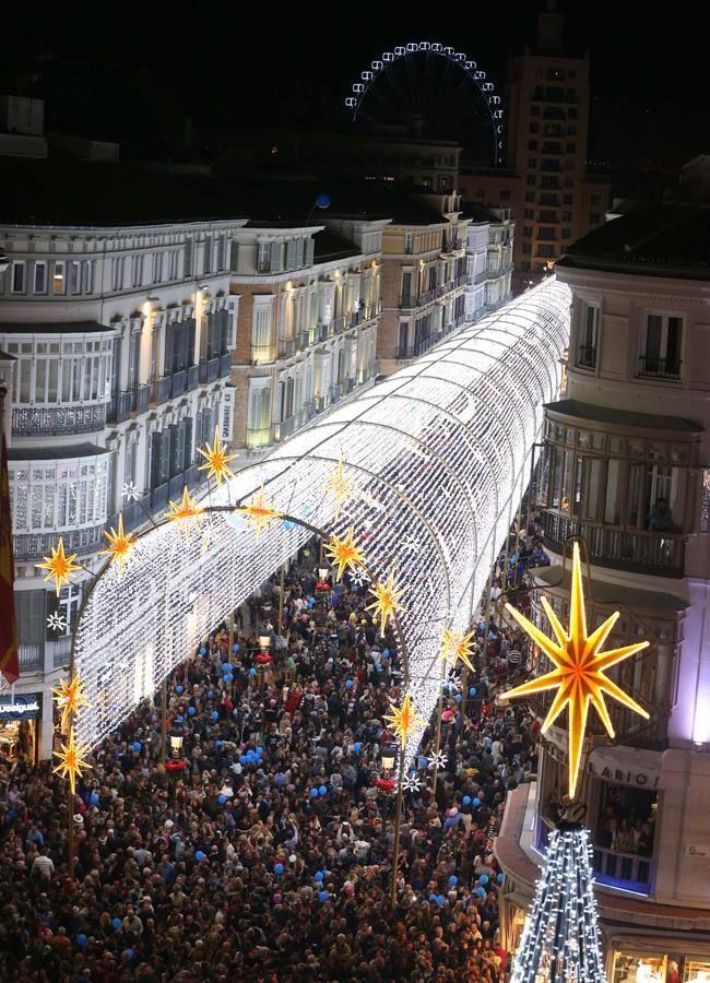 La iluminación de la Calle Larios, en imágenes