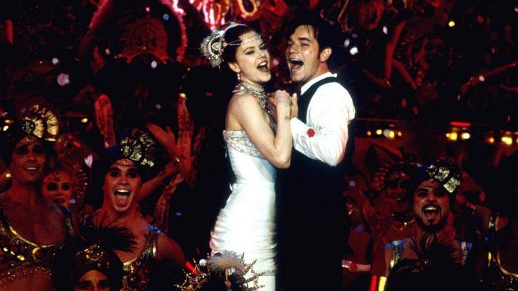 Moulin Rouge: Amor em Vermelho (2001) Após sofrer com depressão, o britânico Christian decide ir à Paris e dar uma chance para carreira de escritor. Ele conhece muitas figuras inusitadas no caminho, inclusive Satine, uma das estrelas da casa de entretenimento Moulin Rouge.