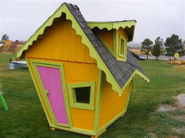 35 best images about playhouses on pinterest outdoor for Hobbit style playhouse